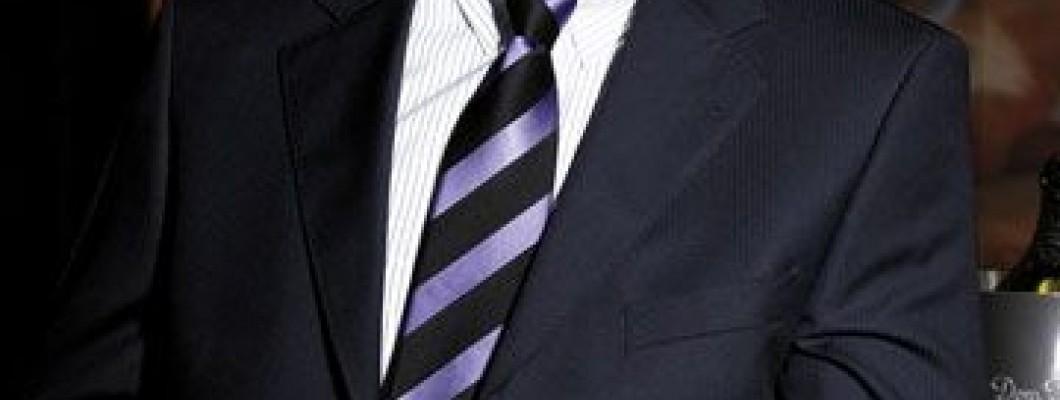 Moška modna kravata, vedno opažena v poslovnem svetu!